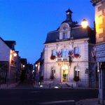 Für Frühst-Aufsteher: Ortskern Pontelevoy: Boulangerie mit Café neben der Mairie