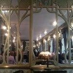 Le décor Art Nouveau du Bouillon Racine