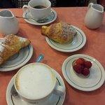 завтрак в кафитерии San Gregorio