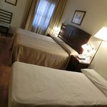 3人宿泊時、エキスらベッドが簡易ベッドでした