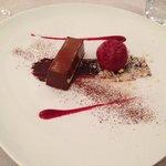 tronchetto al cioccolato e lamponi