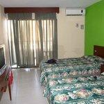 habitación doble: amplia, limpia
