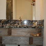granit counter top bathrooms in oru Squirrel House