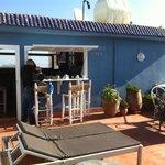 la terracita para desayunar! siempre muy buen clima
