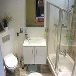 Narnia Room bathroom