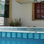 quarto na área da piscina