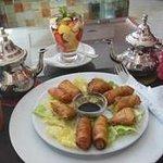 Briouat macedonia e tè alla menta