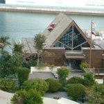 Ресторан уютно расположился на самом берегу Залива
