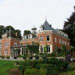 Chateau De Hodbomont фронтон