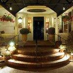 Entrance Homestead Inn - Thomas Henkelmann