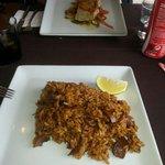Paella y pescado del dia