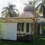 eco hut met patio