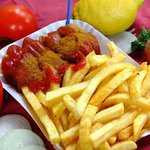 Lecker Currywurst Pommes