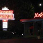 Sunset Motel @ night