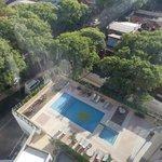 Vista da piscina do elevador panoramico