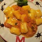 gnochi ripieni di mozzarella di bufala LEONESSA al pomodorino fresco