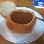 Суп - гуляш в хлебном горшочке