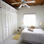 Bougainvillea Apt. Bedroom