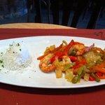 Langostinos con verduritas y arroz rico rico!!