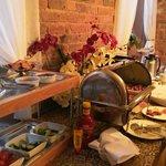 завтрак, шведский стол только по выходным