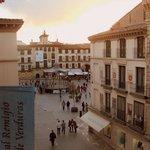 La Plaza de los Fueros vista desde la habitación.