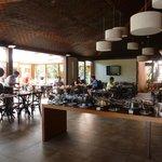 RESTAURANTE - CAFE DA MANHA E ALMOÇO