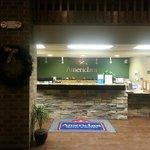 Foto AmericInn Hotel & Suites West Salem