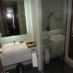 Sunrise Hoi An Beach Resort - our bathroom