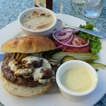 Burger with regional mushrooms and gorgonzola