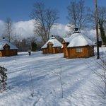 village de kotas finlandais à l'intérieur du Camping Vauban à Neuf-Brisach