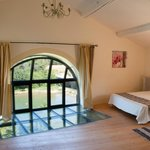 River End gite masterbed with views to river