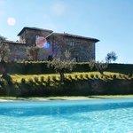 la villa vista dalla piscina