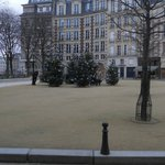 Place Dauphine: seasonal decorations