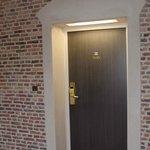 Le couloir menant à la chambre