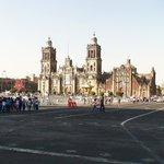 Собор - главное украшение центра Мехико