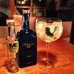 gin tonic con lima kaffir