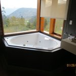 Hot Tub -Wish we had time to use it!