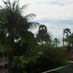 Вид в сторону моря с 4го этажа
