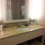 King bed room bathroom