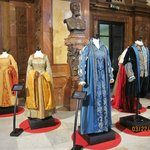 Costumes used in some old productions can be seen at Teatro Massimo