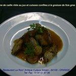 Suprême de caille rôtie au jus et cuisses confites