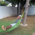descanse na rede sob o coqueiros.