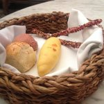 The bread accompaniment ....nice touch !!!