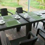 Mesa de desayuno al aire libre