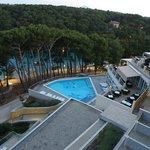 Una delle piscine dell'albergo,vista dalla camera