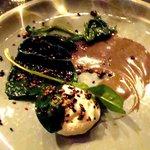 Une tuerie!!!! Epinards, crème ricotta, réduction au sésame et graines de sésame noir