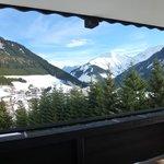 Zugspitzblick aus dem Zimmerfenster