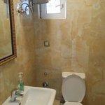 Bathroom fl.2
