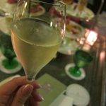 食前酒のシャンパン