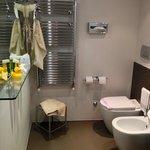 Una delle due stanze da bagno nella mia camera design numero 515